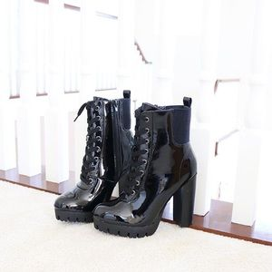 veronica43blk lace up lug sole ankle boots booties